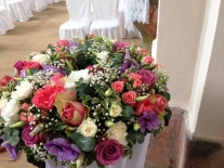 kvetinove aranzma na stojanu